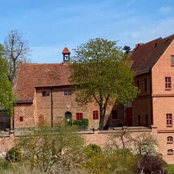 Burg Penzlin mit Hexenkeller und mittelelterlichem Rauchabzug